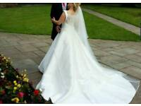 Pronovias Otalia Handmade Elegant & Classy Wedding Dress for Sale