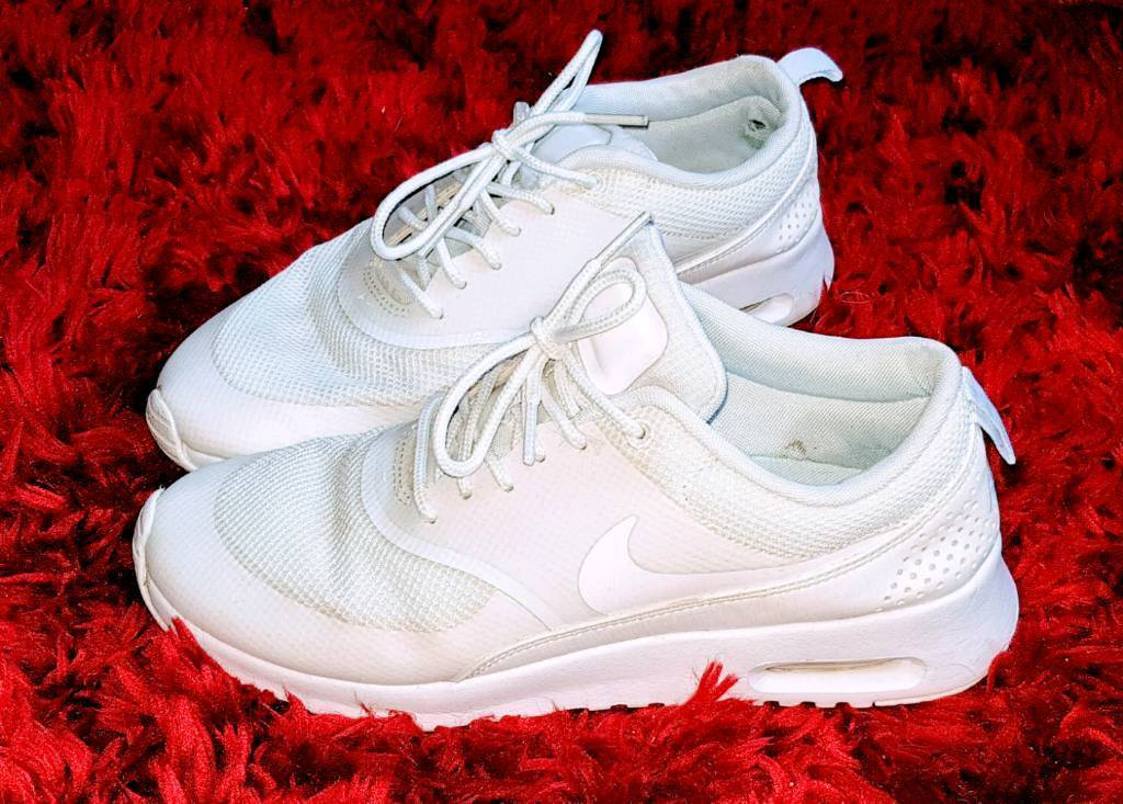 reputable site 8adcd 4956f Genuine Nike Air Max Thea White Womens Trainers Sneakers Size UK 5 RRP £60!