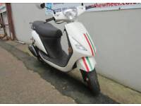 Sinnis street 50cc 4 stroke moped scooter 2015 4281 miles from new