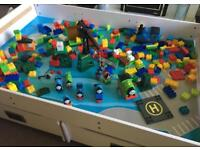 White Train/construction table with drawers & large Thomas construction set included