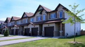 AVAILABLE Dec 15th! 3 Bedroom Townhome in Arnprior