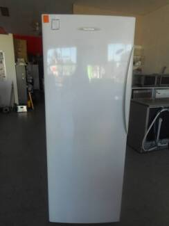Second Hand upright fridge FISHER & PAYKEL 451 L (MFF 221)