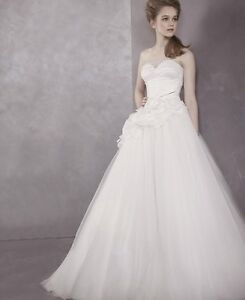 White by Vera Wang Strapless Ball Gown *Gorgeous*