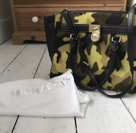100% Genuine Michael Kors Learher Handbag
