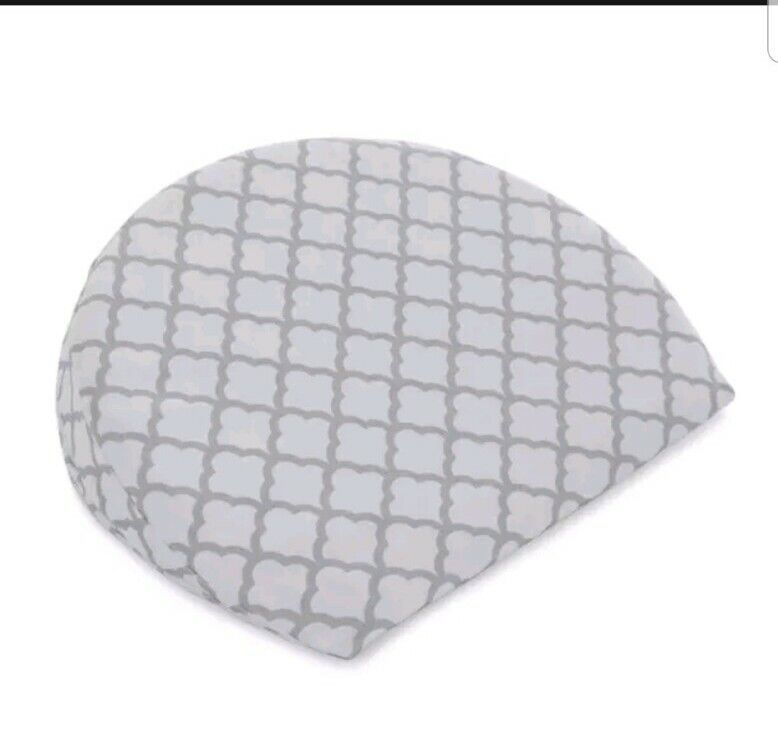 Boppy Pregnancy Wedge, Scallop Trellis Gray and White, Maternity Wedge