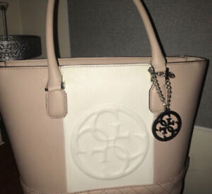 Guess purse pink white
