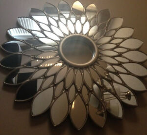 HOME DECOR BRAND NEW AT STARBURST MIRROR/PETAL MIRROR/LAMP/RUG