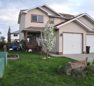 3 bedroom house with attached garage - pet friendly