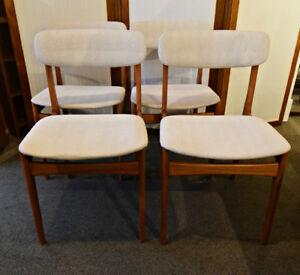 AWESOME SET OF 4 MID-CENTURY MODERN TEAK CHAIRS AT CHARMAINE'S