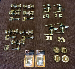 Interior Door Knobs/Levers Passage Set