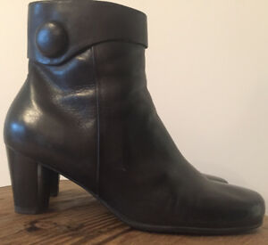 ECCO black leather women's ankle boot size 9.5 or 40: NEW!