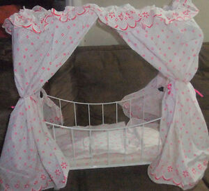 Doll Bed- with Canopy and bedding -Enchanting West Island Greater Montréal image 1