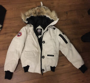 Authentic women's Canada Goose Chilliwack Bomber