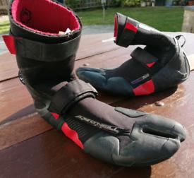 O'Neill Psychofreak 6mm Internal Split Toe Wetsuit Boots in VGC