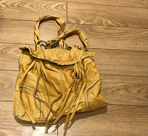 Yellow frilly large over shoulder purse, like new Peterborough Peterborough Area image 1