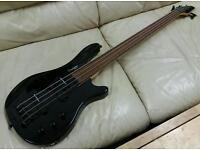 Tanglewood Rebel 4k fretless bass