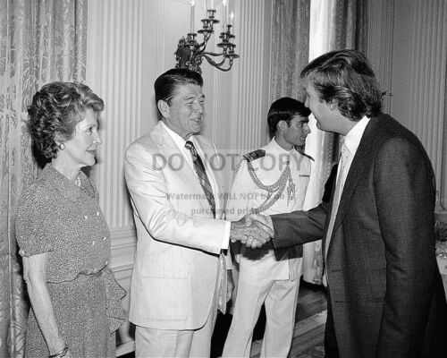 RONALD AND NANCY REAGAN GREET DONALD TRUMP IN 1983 - 8X10 PHOTO (MW457)