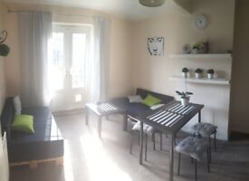 Double room, close to Morden tube, £450