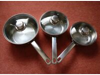 Set of 3 Lightweight Saucepans with Lids - Ideal for Camping or General Use *Good Condition*