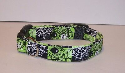 Wet Nose Designs Spooky Spiders & Skulls Dog Collar Lime Green Halloween Webs (Halloween Skulls Designs)
