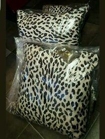 Laurence llewelyn bowen 3 pillows Rpp £58