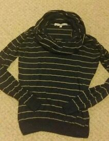 Crew clothing top. Size 10. Linen and cotton blend for warmth. Navy blue