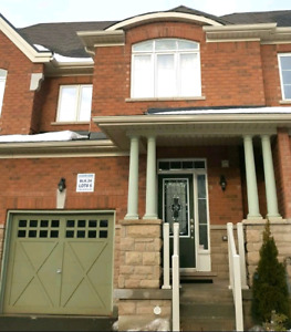 Fabulous 3 Bed, 3.5 Bath Milton Townhouse Avail April 15 or May