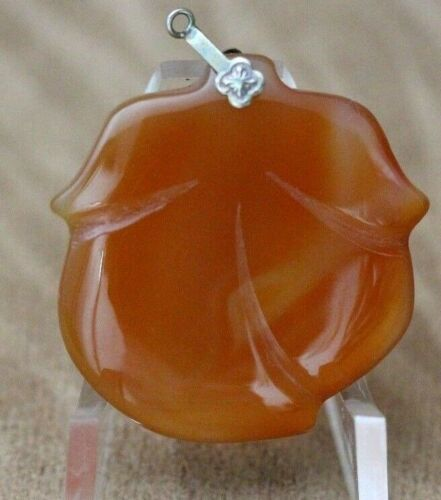 Beautiful VINTAGE Flower Chinese JADE Pendant with Clasp