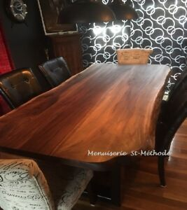 table en bois sur mesure, table en tranche d'arbre, table noyer