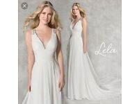 Beautiful chiffon wedding dress size 14