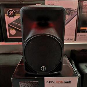 Mackie SRM350 - 1000W 10 Portable Powered Loudspeaker Demo*