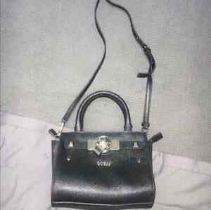 LIKE NEW! Guess small crossbody bag Brighton-le-sands Rockdale Area Preview