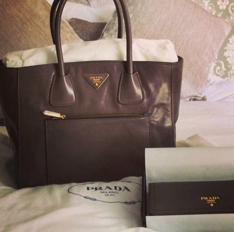 aae23f182ad10b ... wholesale prada tote handbag and purse for sale 9fd83 9e948
