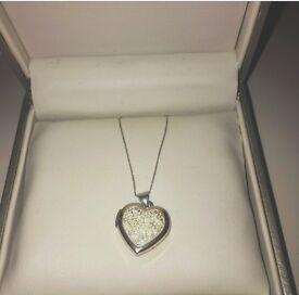 Heart diamond pendant locket necklace