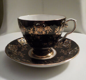 VTG. ROYAL GRAFTON FINE BONE CHINA CUP & SAUCER BLACK & GOLD