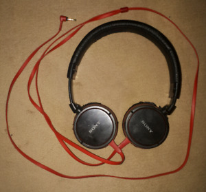 Sony MDR-ZX600 Over-Ear Headphones