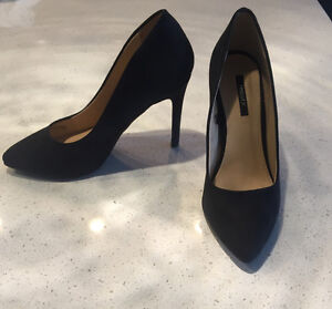 Forever 21 Black Suede Pointed Toe Pumps