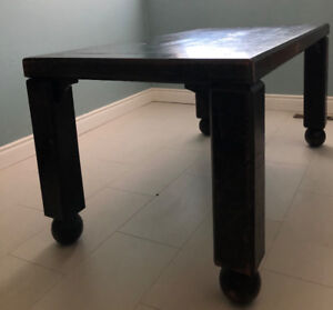 Quality vintage table dreaming to be refinished.