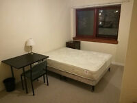 Nice doulbe roooms to let rent close KB royal infoermary for students