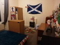 Bruntsfield | Cosy room in main door flat | Council tax included