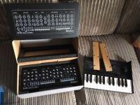 Roland SE-02 Analogue Synthesizer + k-25m keyboard and panels.