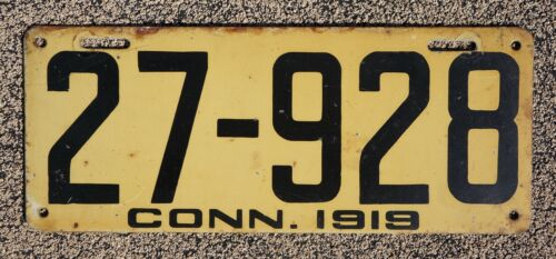 1919 CONNECTICUT License Plate - NICE Original