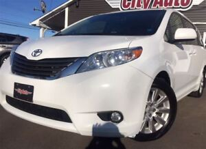 2014 Toyota Sienna XLE 7 Passenger Leather  Sunroof