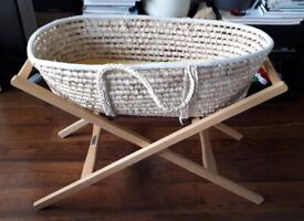 Moses basket and sleeping bag 0-6 (2.5 tog)