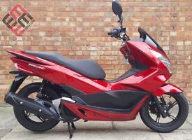 HONDA PCX 125 cc (15 REG), ONE OWNER, ONLY 427 MILES ON THE CLOCK!