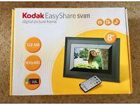 Digital Picture Frame - Kodak EasyShare SV 811