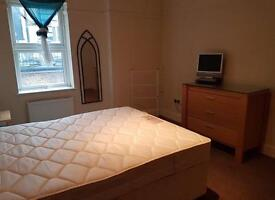 Rooms to Rent - Southend on Sea both close by c2c railway/high street/university