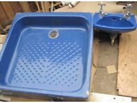 Retro Ceramic Shower tray and Matching Basin