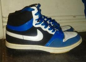 Boys Nike trainers size 5