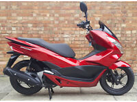Honda PCX 125, Mint condition ONLY 331 miles on the clock